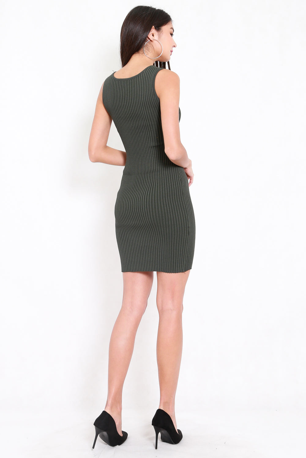 Scoop Neck Midi Knit Dress (Olive)