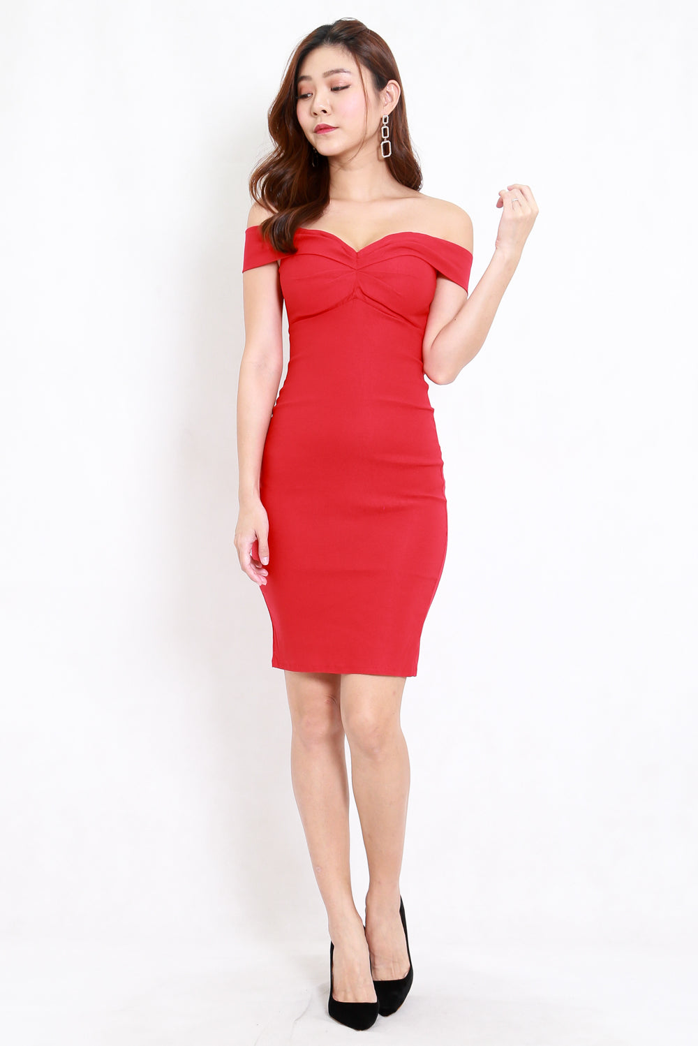 Madi Sweetheart Off Shoulder Dress (Cherry)