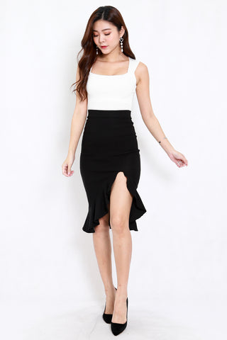 Ruffle Slit Midi Skirt (Black)