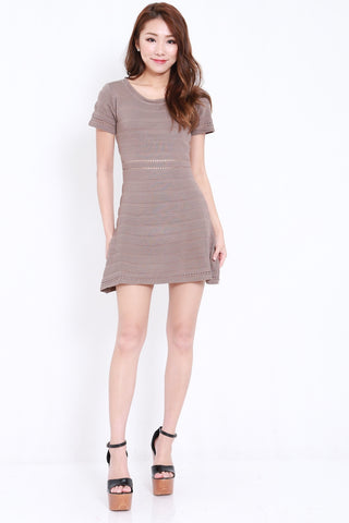 Knitted Swing Dress (Taupe)