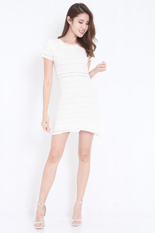 Knitted Swing Dress (White)