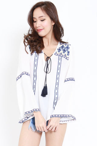Long Sleeves Embroidery Top (White)
