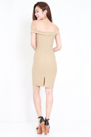 *PREMIUM* Sweetheart Off Shoulder Midi Dress (Nude)