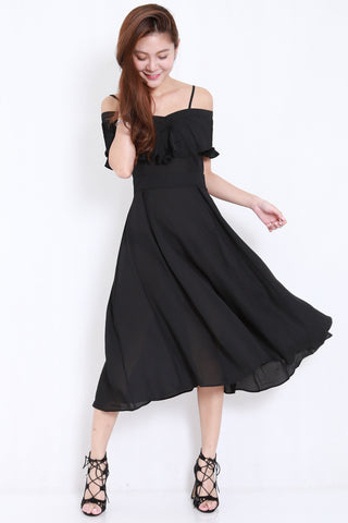 Pleated Offsie Midi Dress (Black)