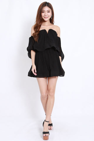 Pleated Sweetheart Offsie Dress (Black)