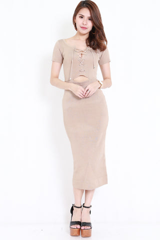 Ribbon Lace Midi Dress (Nude)