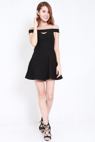 Straight Offsie Skater Dress (Black)
