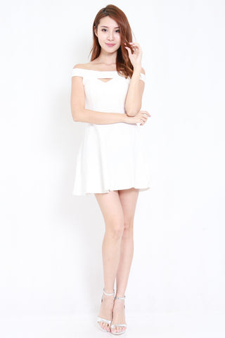 Straight Offsie Skater Dress (White)