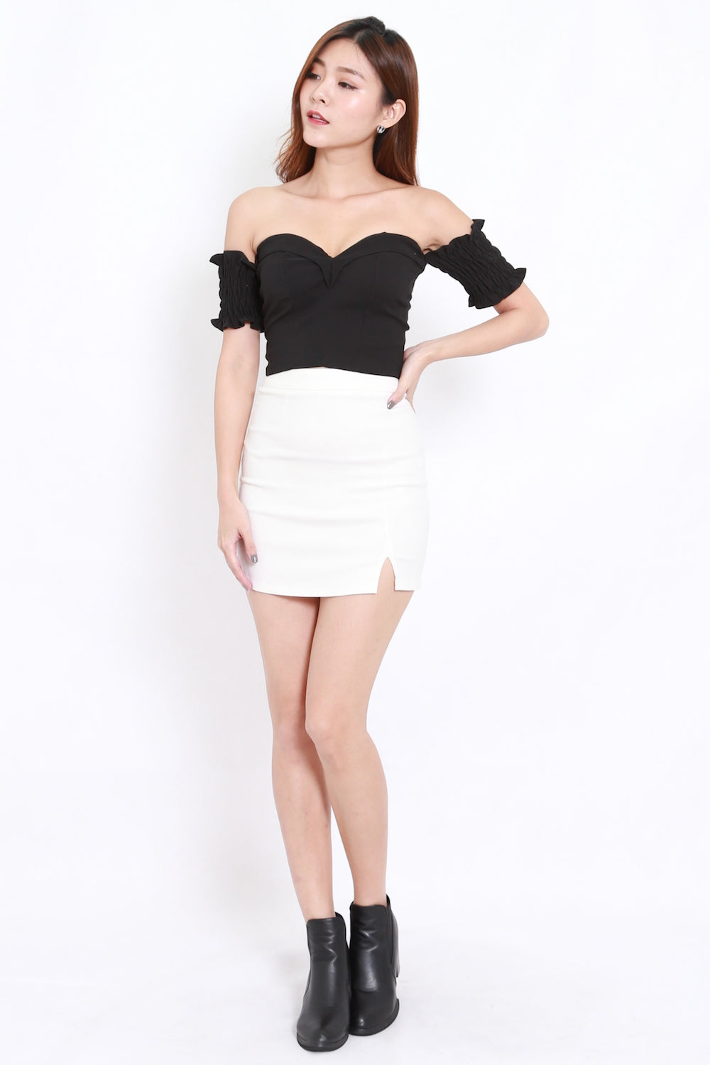 Sweetheart Offsie Crop Top (Black)