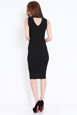 V Back Ribbed Midi Dress (Black)