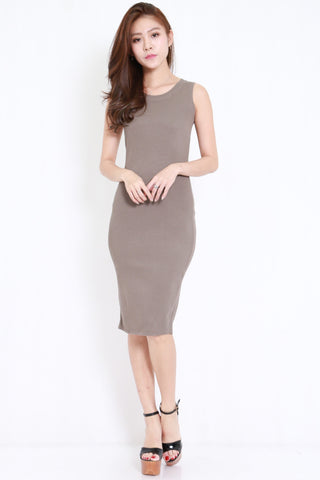 V Back Ribbed Midi Dress (Olive)