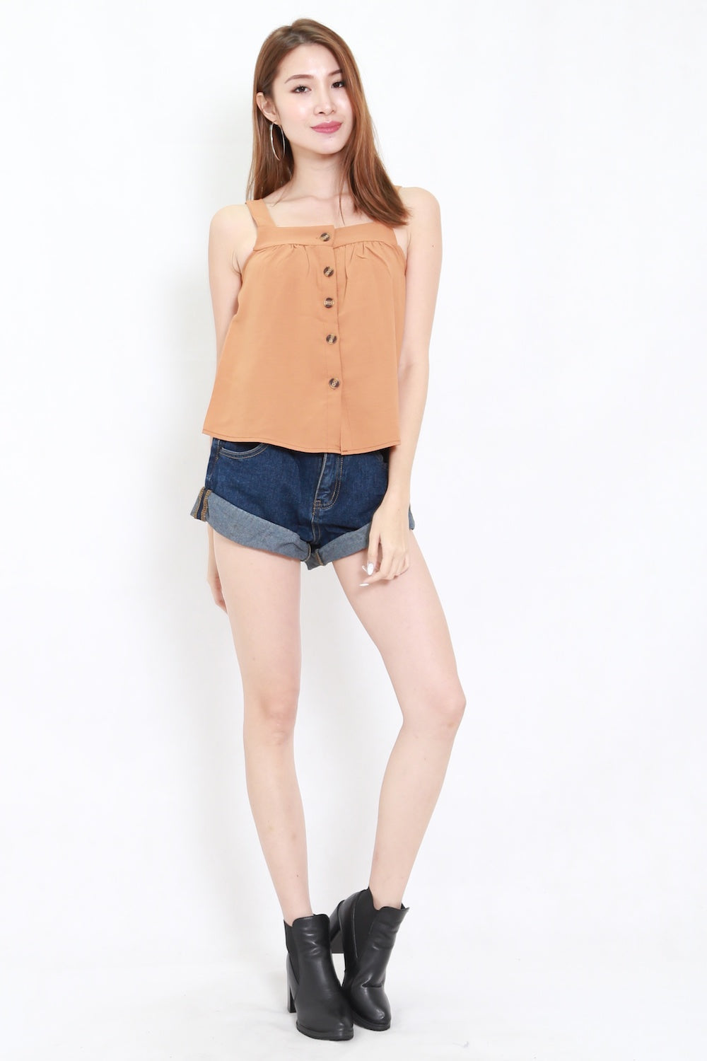 Vessie Buttons Top (Camel)