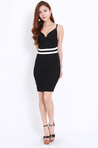 Waist Lines Knit Dress (Black)
