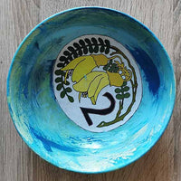 Medium bowl by Jenny Latto