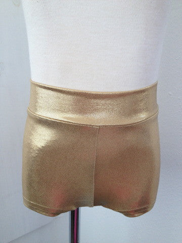 Details Basic Shorts: Gold