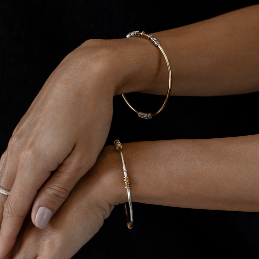 Iza-Jewelry-Satellite Bangle | Silver