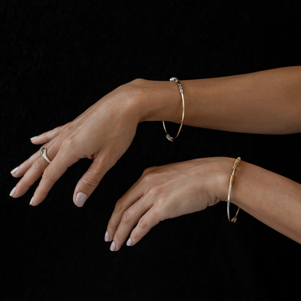 Iza-Jewelry-Satellite Bangle | Gold