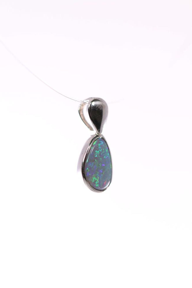 White Opal Pendant set in Sterling Silver 0.50 carat