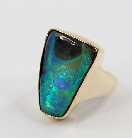 Black Opal Ring set in 18K Yellow Gold 2.98Ct  33x Diamond 0.22Ct