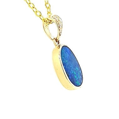Doublet Opal Pendant 3.00 carat set in 14 Karat Yellow Gold  with 4 x Diamonds total 0.01 carat