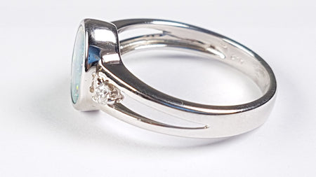 Crystal Opal Ring set in St Silver 0.35Ct