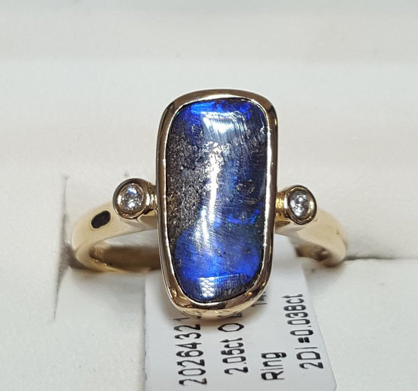 Boulder Opal Ring set in 14K Yellow Gold 2.05Ct  2x Diamond 0.038Ct