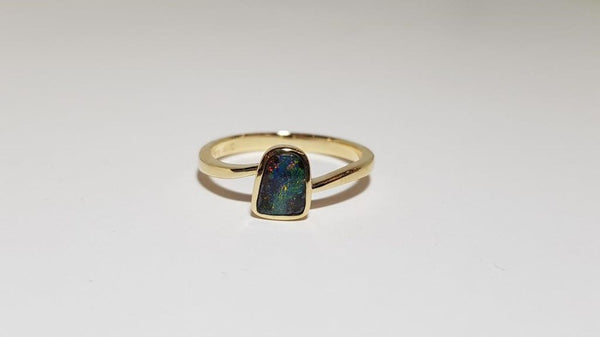 Boulder Opal Ring set in 14K Yellow Gold 0.5Ct