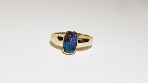 Boulder Opal Ring set in 14K Yellow Gold 0.7Ct