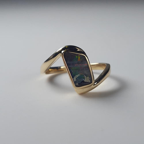 Boulder Opal Ring set in 14K Yellow Gold 0.8Ct