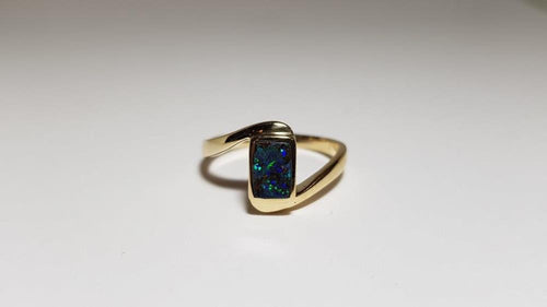 Boulder Opal Ring set in 14K Yellow Gold 0.4Ct