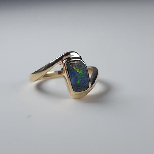 Boulder Opal Ring set in 14K Yellow Gold 0.85Ct