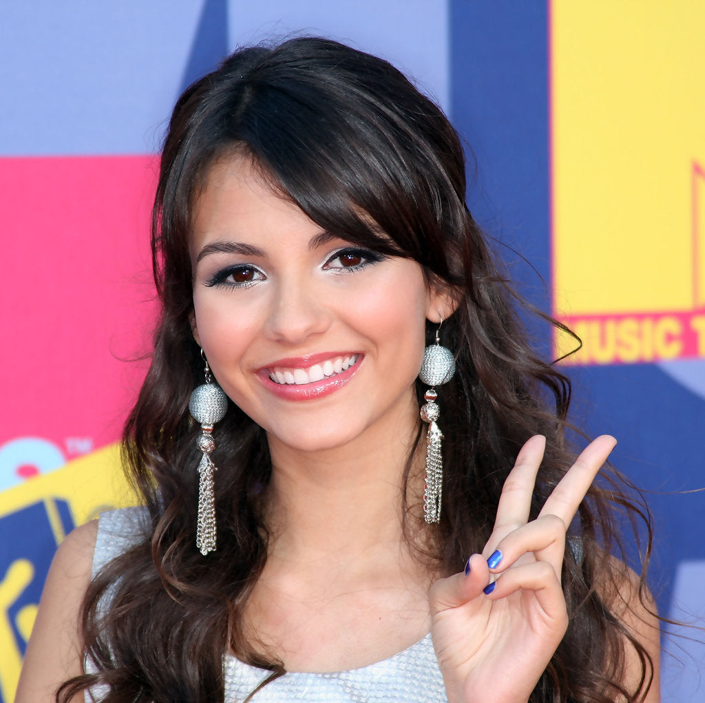 Victoria Justice wearing Jenny Dayco jewelry