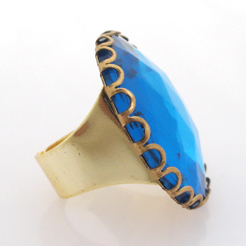 Aqua glass faceted ring by Jenny Dayco side view