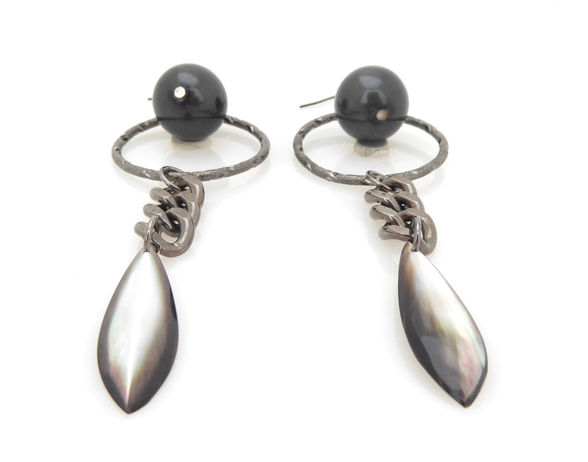 Gunmetal pearl earrings