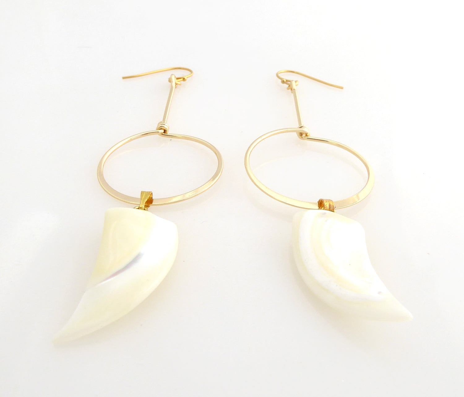 Meri shell earrings