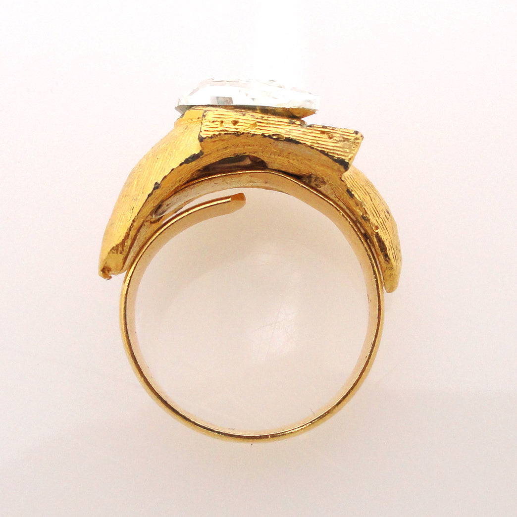 Vintage gold angle and crystal teardrop ring by Jenny Dayco side view