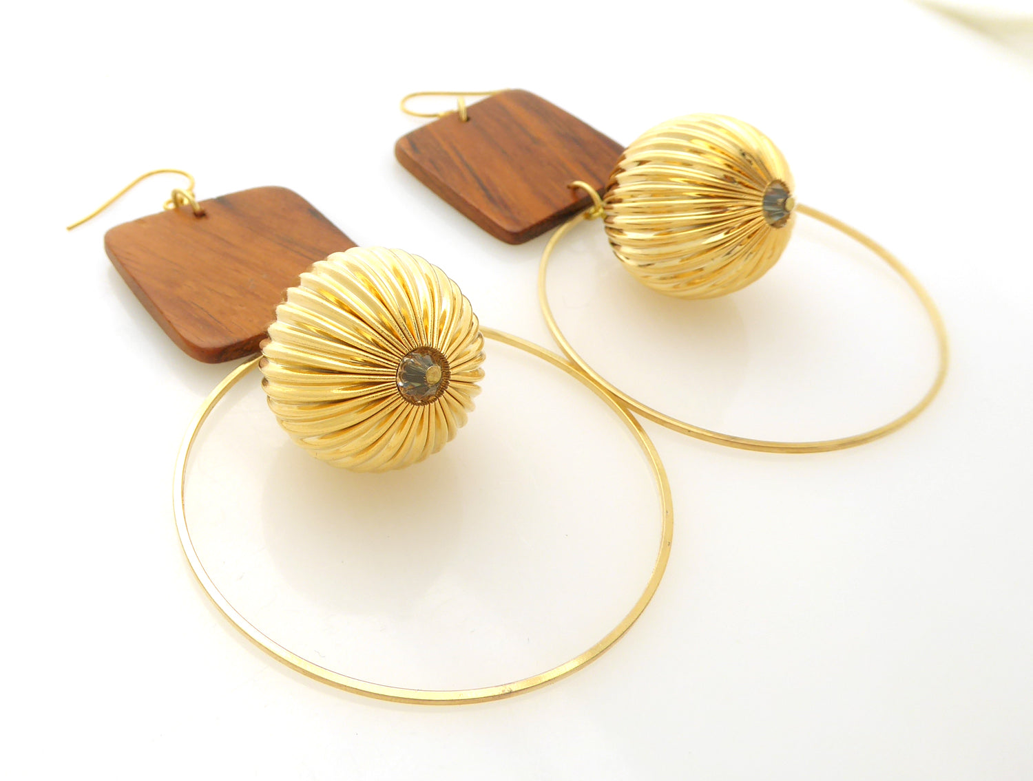 Wood square earrings by Jenny Dayco 2
