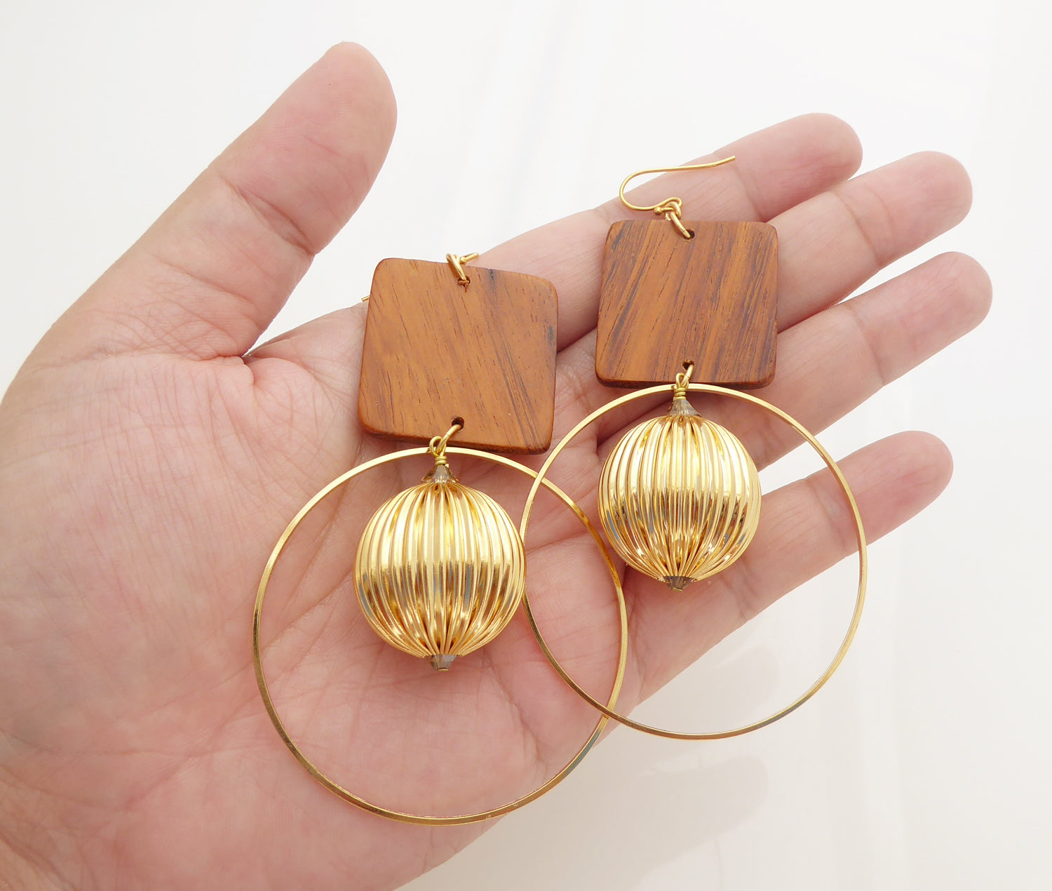Wood square earrings by Jenny Dayco 4
