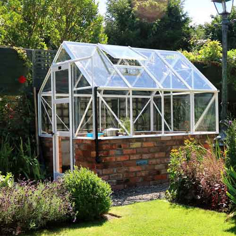 Greenhouse with featured dwarf wall