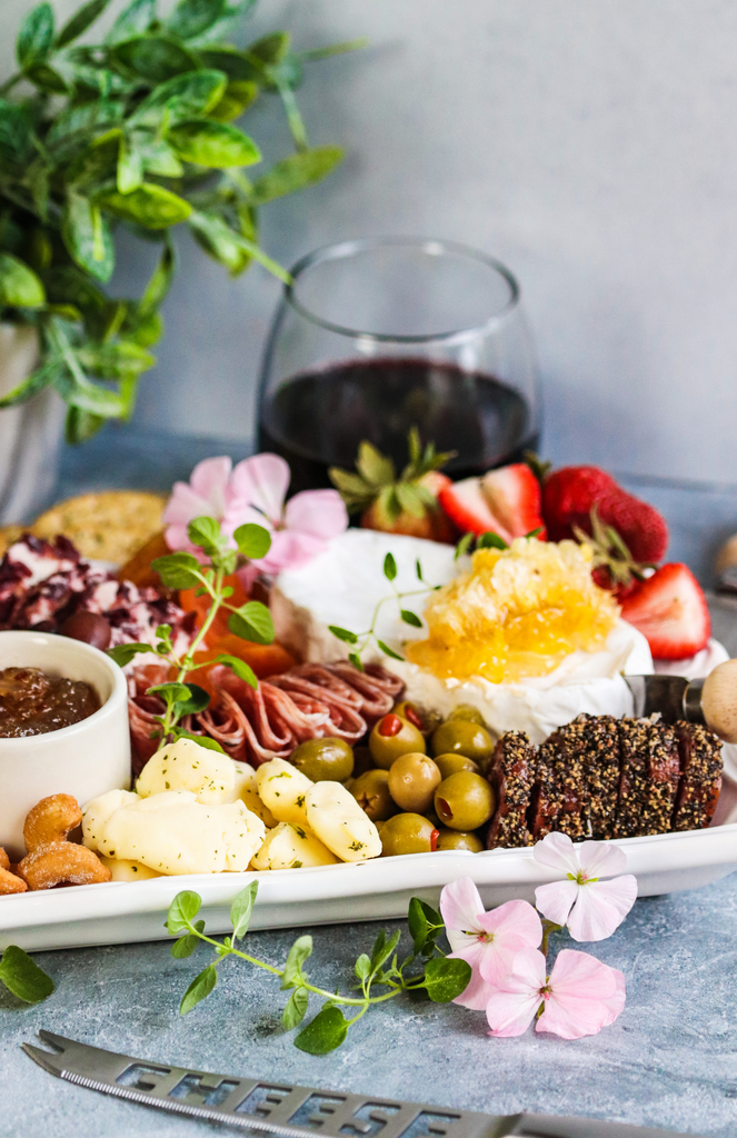 How To Create A Charcuterie Board Like An Expert