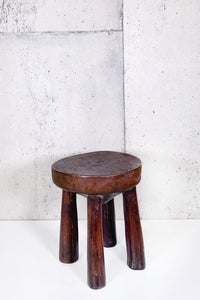 AFRICAN MILKING STOOL 002