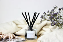 Load image into Gallery viewer, Amber Musk Diffuser 165ml