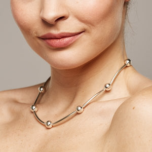 Shine Curves Necklace – Silver