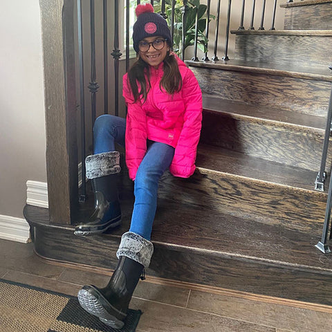 Abagail, 8 sporting our Snuggle Neoprene Boot