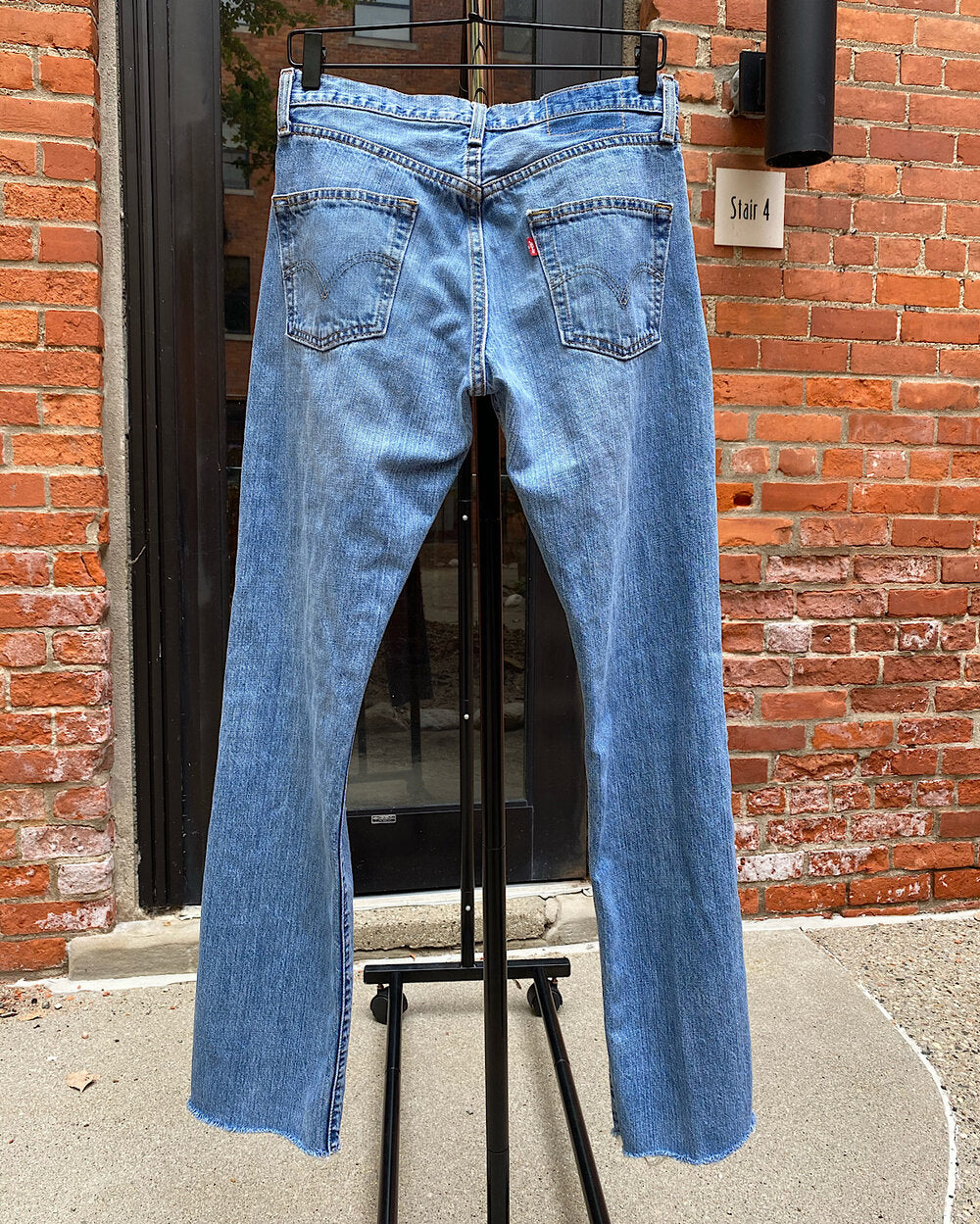 Vintage Safety Pin Levi's 501 Mom Jeans (29)
