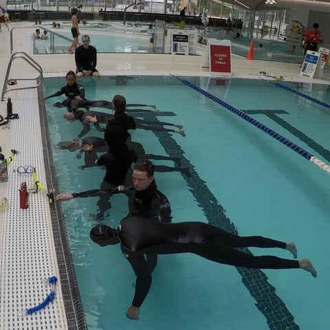 Freediving class pool static breath hold