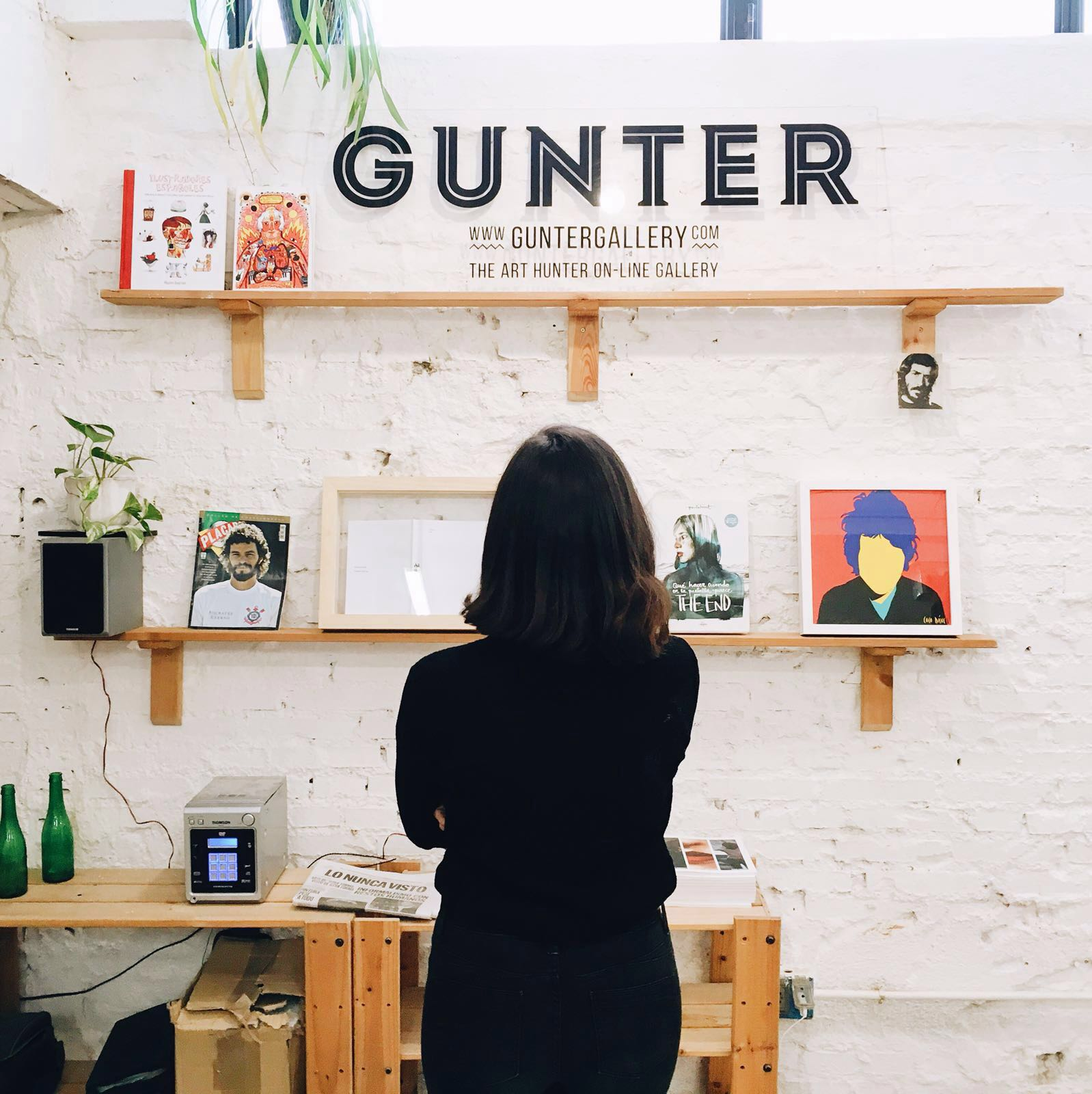 Coco dávez in Gunter's studio