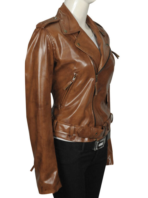 STYLISH KIM KARDASHIAN LEATHER JACKET