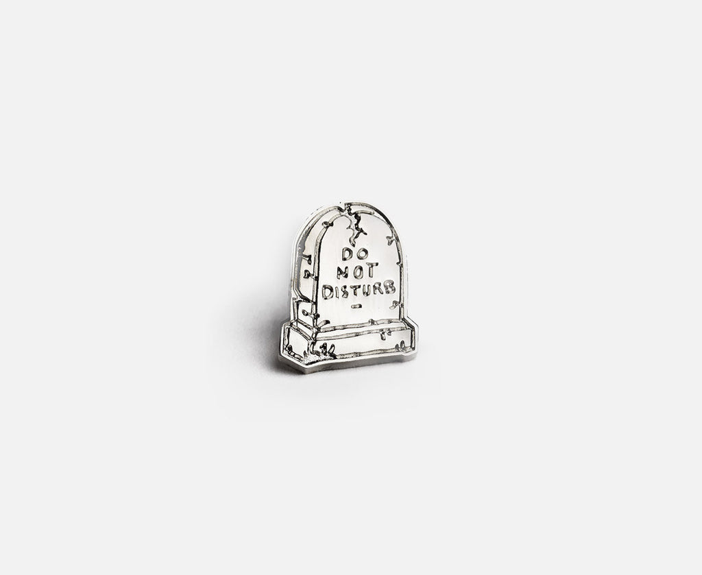 Prize Pins - Do Not Disturb front