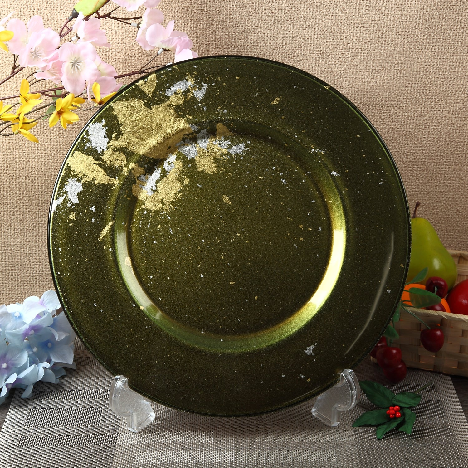 Syosaku Japanese Urushi Glass Charger Plate 13.9-inch (35cm) Majestic Green with Gold Leaf, Dishwasher Safe